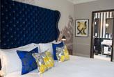 Hoa văn giấy dán tường làm thay đổi không gian phòng ngủ