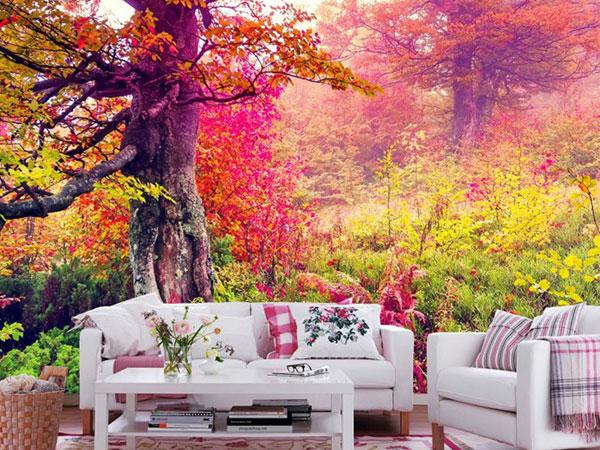 Giấy dán tường hình hoa lá đưa căn phòng xích lại gần thiên nhiên hơn